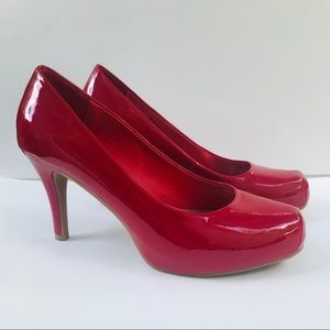 Like new Olsenboye patent leather hidden platform